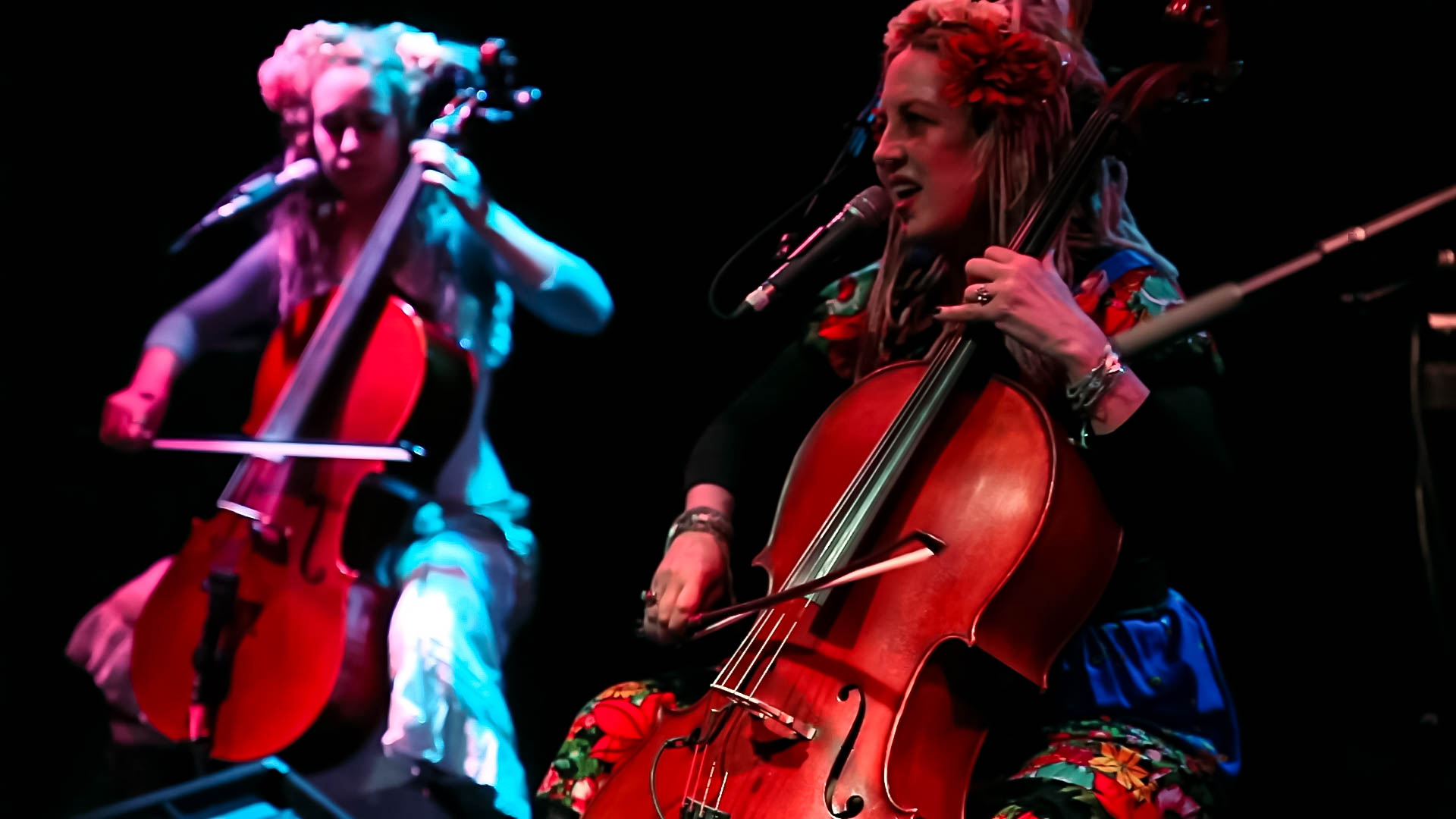 "Rasputina perform ""Holocaust of Giants"""