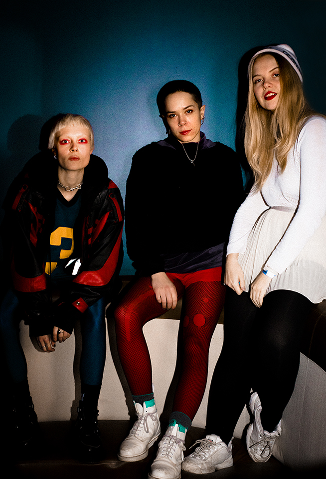 Dream Wife (left to right: Alice Go, Bella Podpadec, Rakel Mjöll) © Nicole Almeida