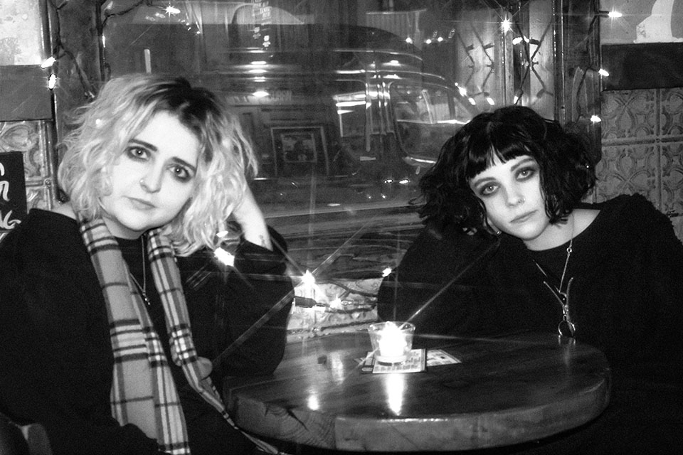 Pale Waves © Nicole Almeida