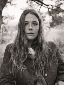 Maggie Rogers 2019 © Olivia Bee