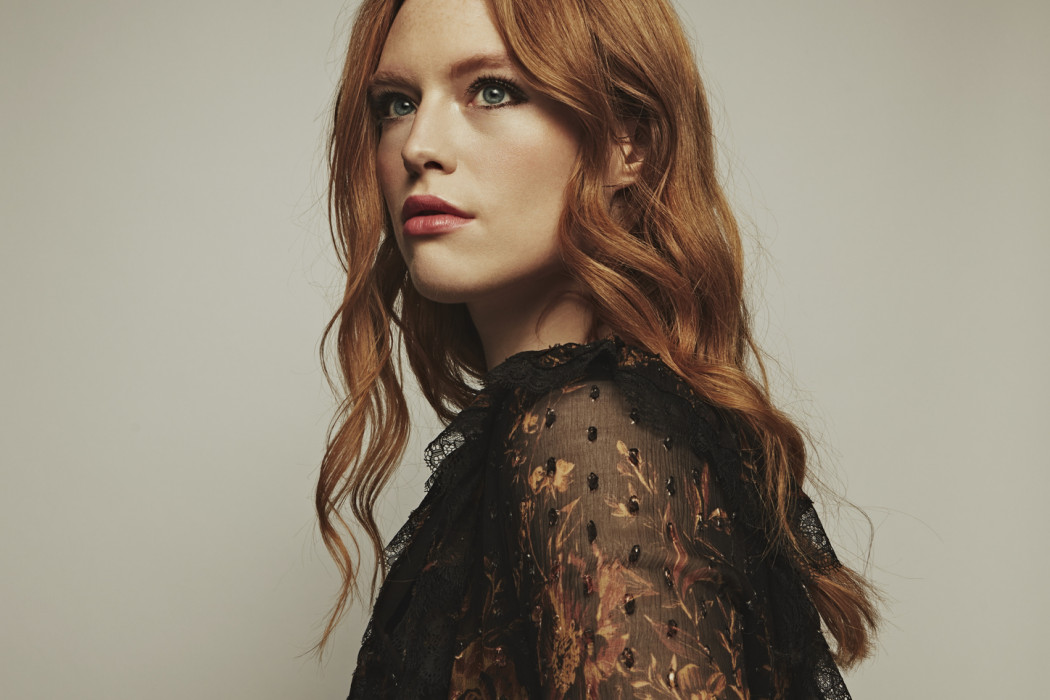 Today S Song Freya Ridings Captivates With The Poignantly