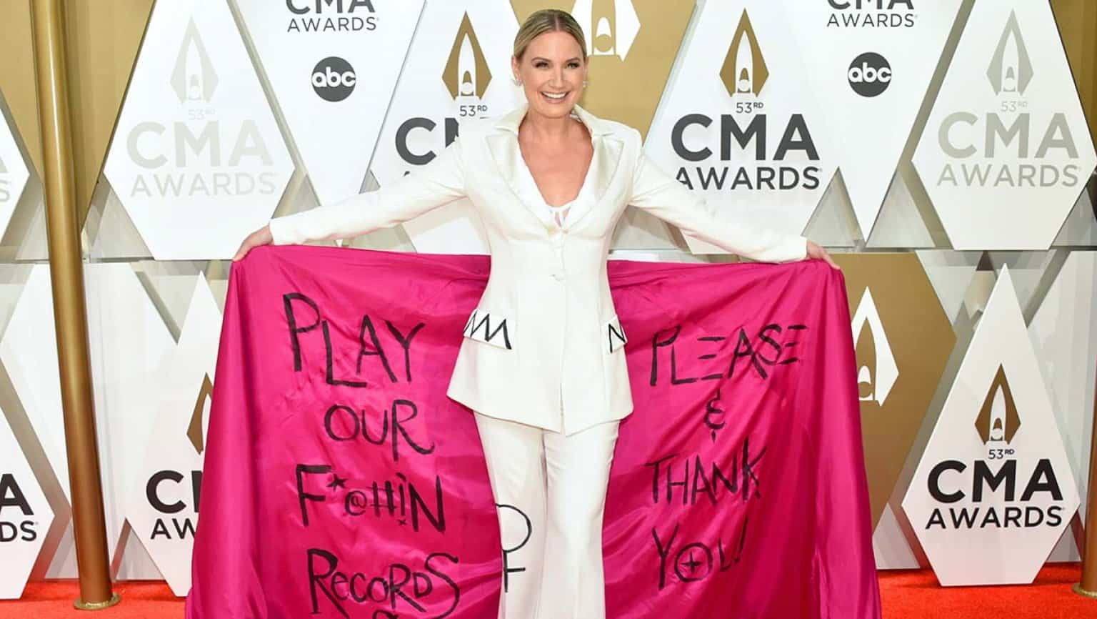 Jennifer Nettles at the 2020 Country Music Awards